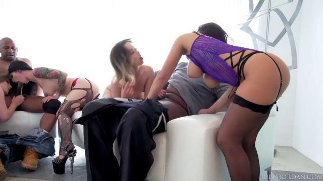 Порно хуй 15 років перший раз